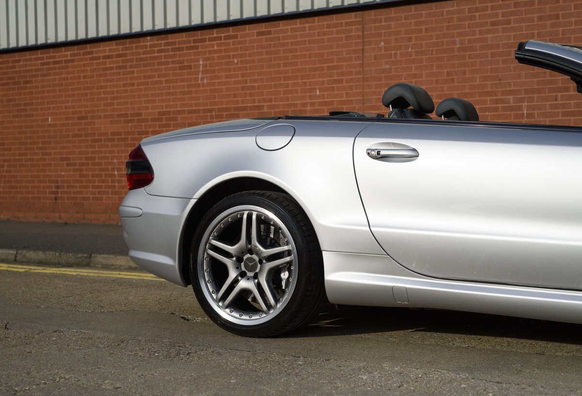 2005 Mercedes-Benz SL65 AMG V12 Bi Turbo F1 Pace Car (RHD) For Sale (picture 13 of 24)