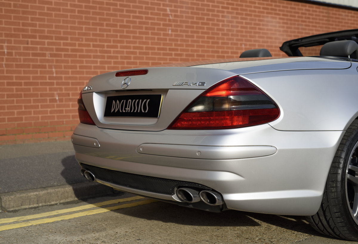 2005 Mercedes-Benz SL65 AMG V12 Bi Turbo F1 Pace Car (RHD) For Sale (picture 14 of 24)