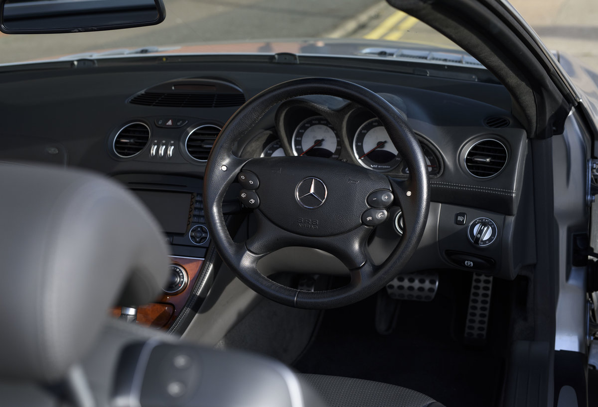 2005 Mercedes-Benz SL65 AMG V12 Bi Turbo F1 Pace Car (RHD) For Sale (picture 16 of 24)