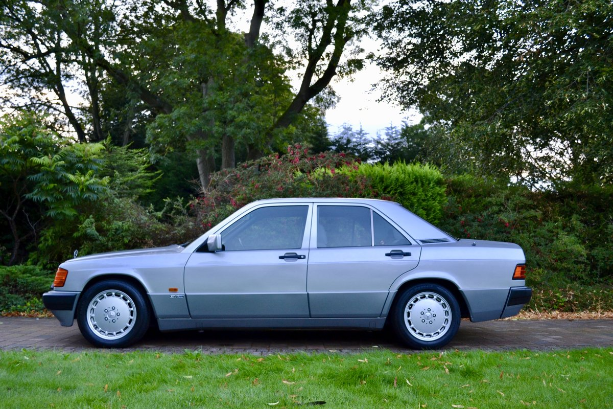 1991 Mercedes 190E 2.6 Sportline *Incredible Spec* For Sale (picture 2 of 6)