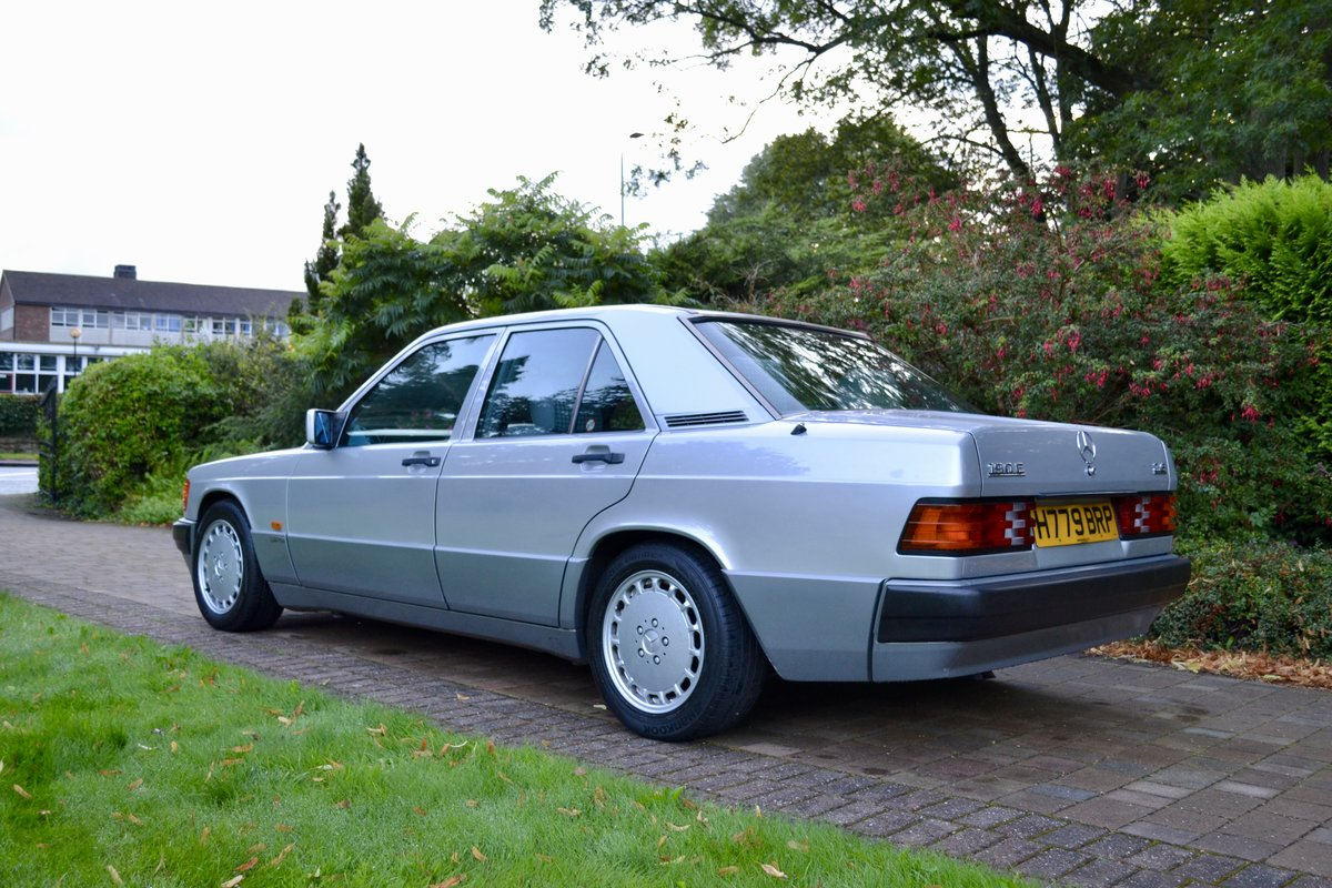 1991 Mercedes 190E 2.6 Sportline *Incredible Spec* For Sale (picture 3 of 6)