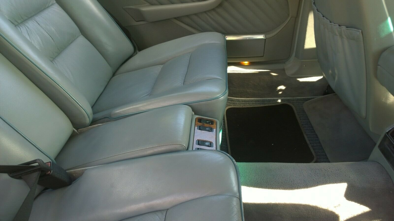 1988 Mercedes 560 SEL, V8, W126, 2+2, Cheapest in UK For Sale (picture 5 of 6)