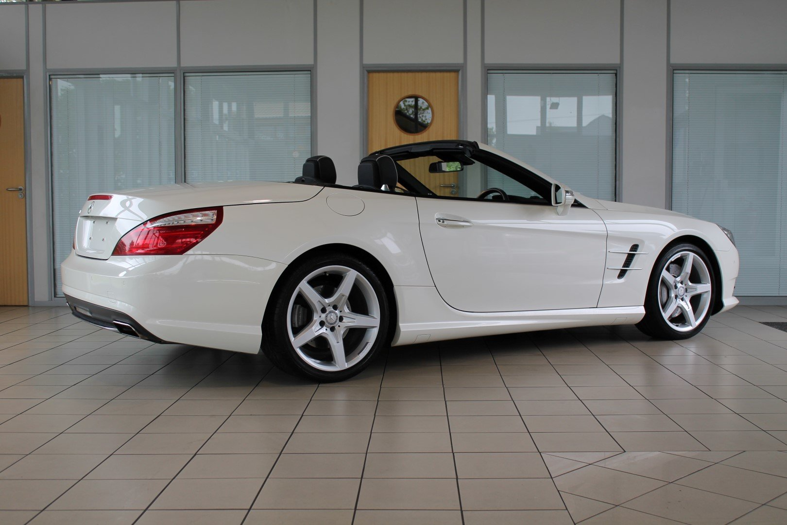 2014/14 Mercedes-Benz SL350 AMG Sport For Sale (picture 2 of 6)