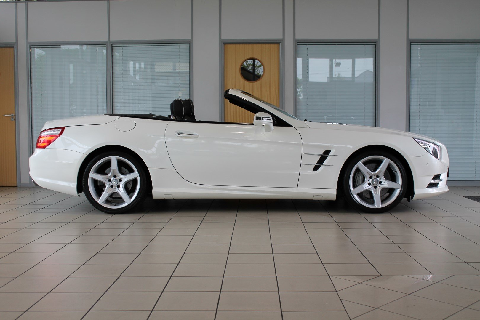 2014/14 Mercedes-Benz SL350 AMG Sport For Sale (picture 4 of 6)