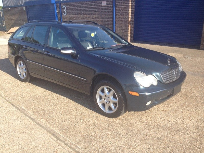 2001 Mercedes 320 Estate - LHD SOLD (picture 3 of 6)