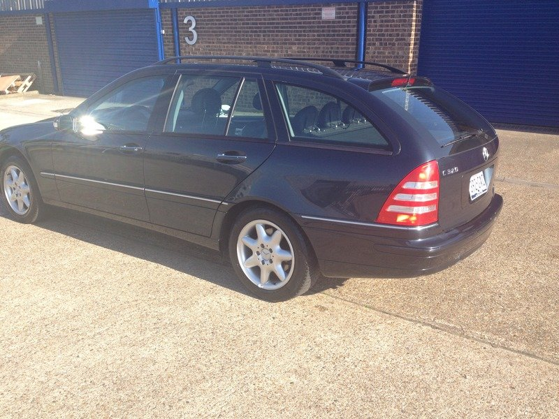 2001 Mercedes 320 Estate - LHD SOLD (picture 5 of 6)