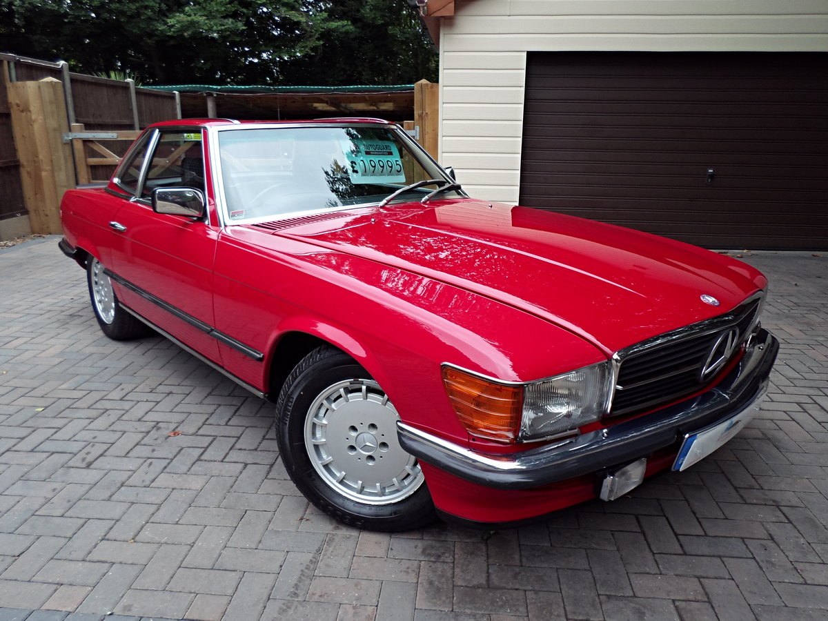 1983 Mercedes sl 500 r107 model For Sale (picture 1 of 6)