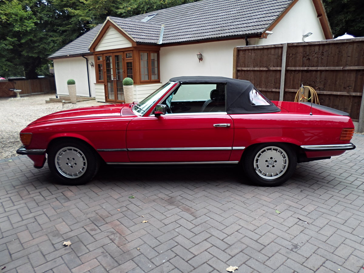 1983 Mercedes sl 500 r107 model For Sale (picture 3 of 6)