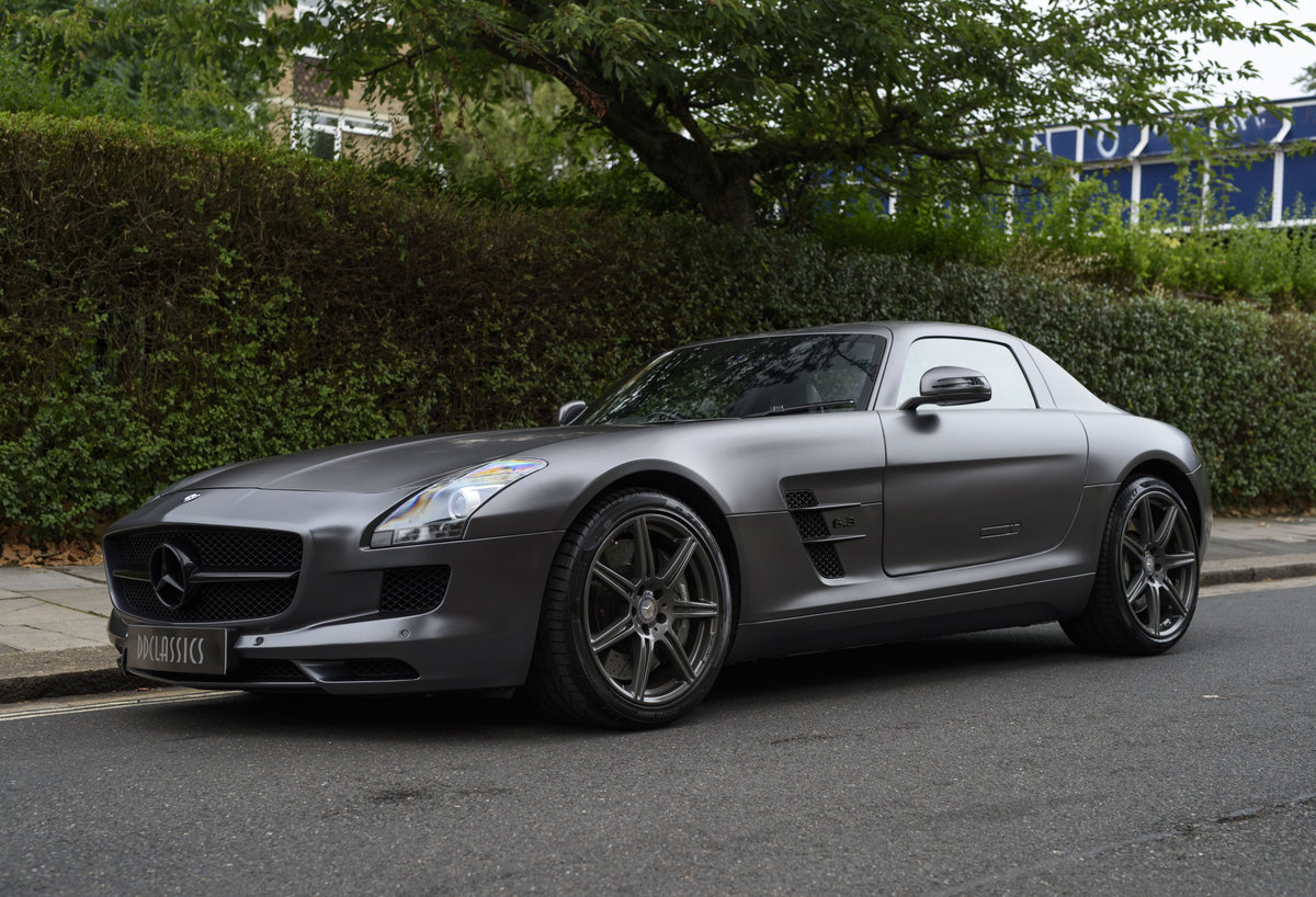 2010 Mercedes-Benz SLS AMG (RHD) for sale in London For Sale (picture 1 of 24)
