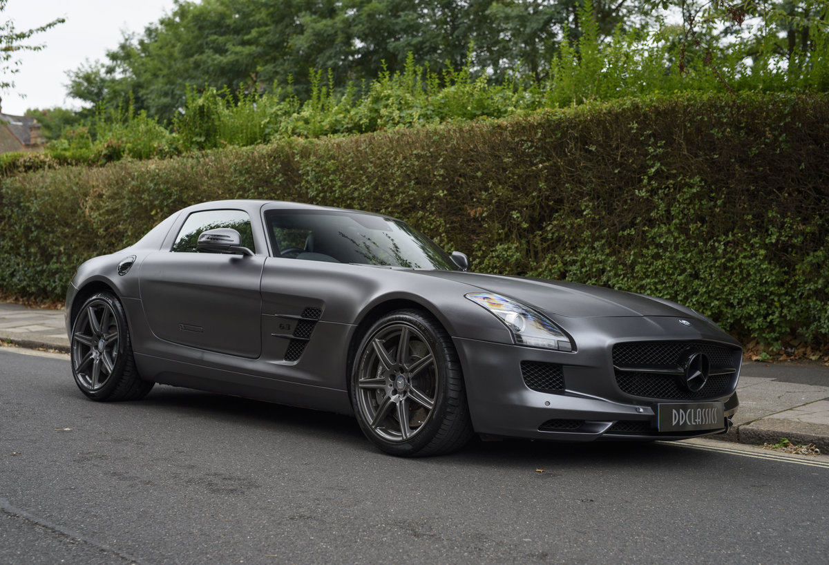 2010 Mercedes-Benz SLS AMG (RHD) for sale in London For Sale (picture 2 of 24)