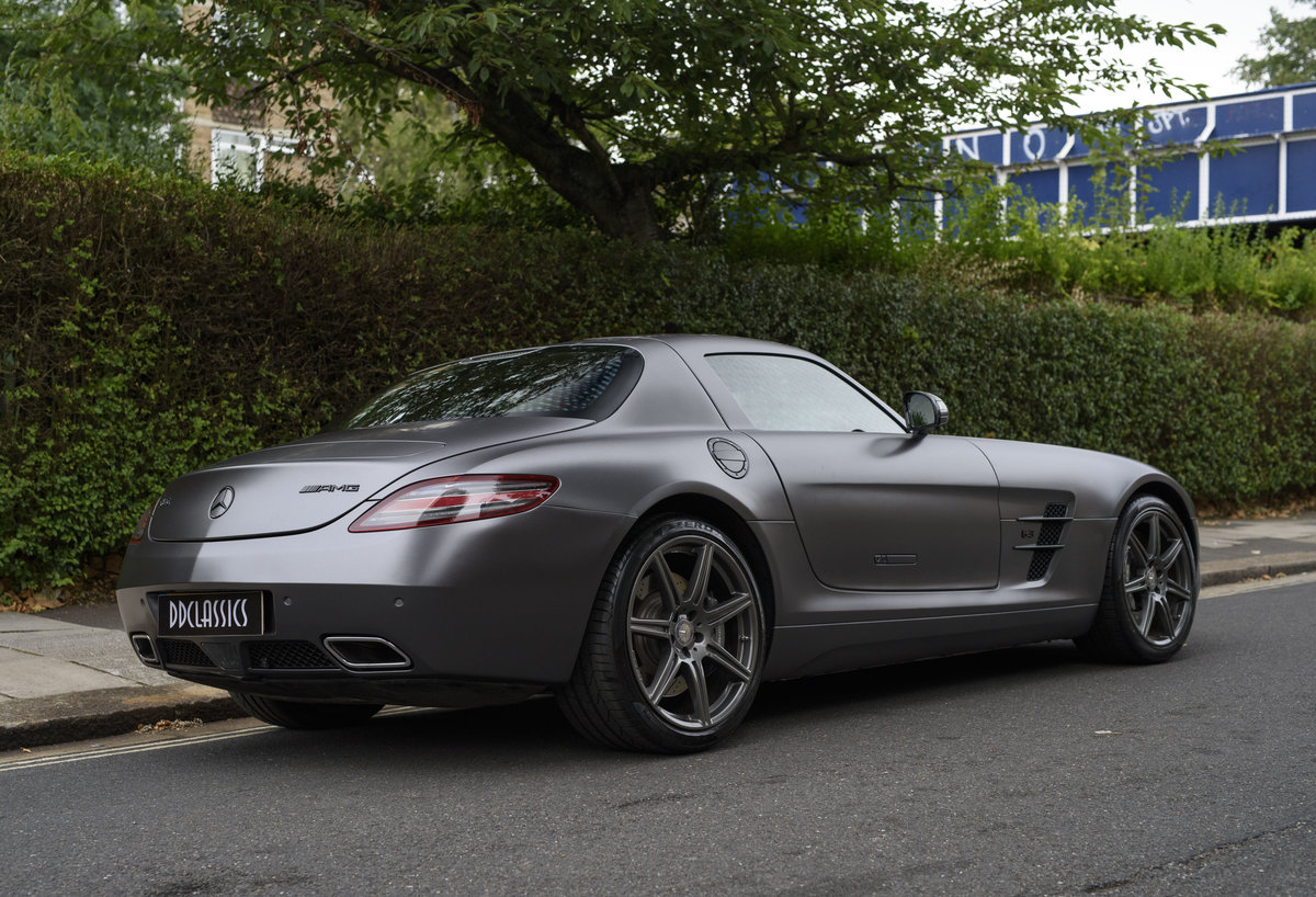 2010 Mercedes-Benz SLS AMG (RHD) for sale in London For Sale (picture 3 of 24)