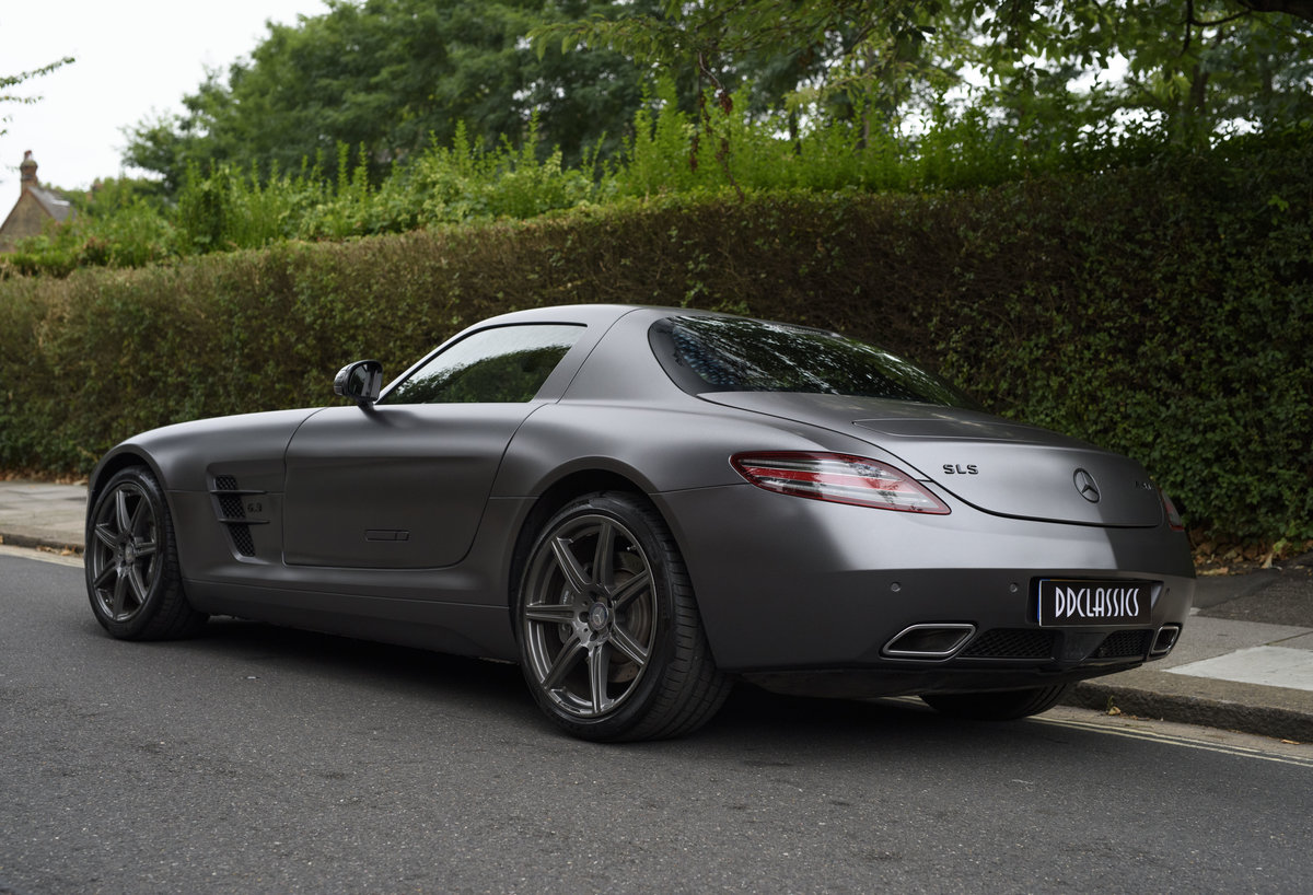 2010 Mercedes-Benz SLS AMG (RHD) for sale in London For Sale (picture 4 of 24)