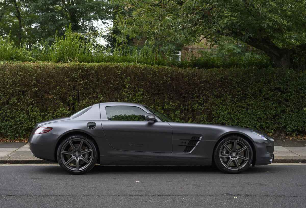 2010 Mercedes-Benz SLS AMG (RHD) for sale in London For Sale (picture 5 of 24)