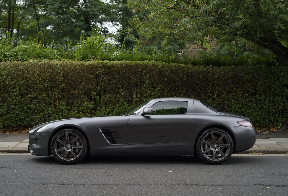 2010 Mercedes-Benz SLS AMG (RHD) for sale in London For Sale (picture 6 of 24)