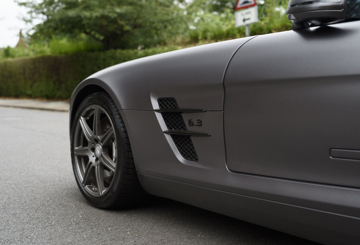 2010 Mercedes-Benz SLS AMG (RHD) for sale in London For Sale (picture 12 of 24)