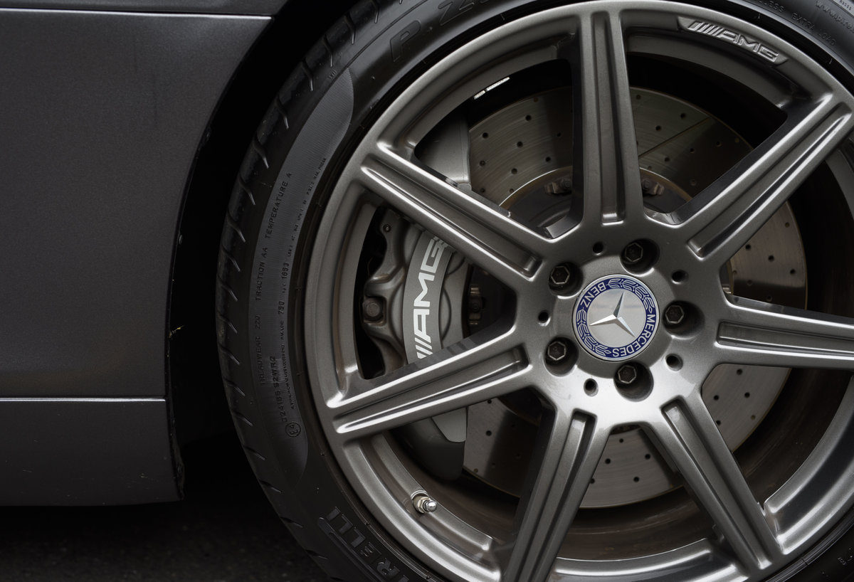 2010 Mercedes-Benz SLS AMG (RHD) for sale in London For Sale (picture 13 of 24)