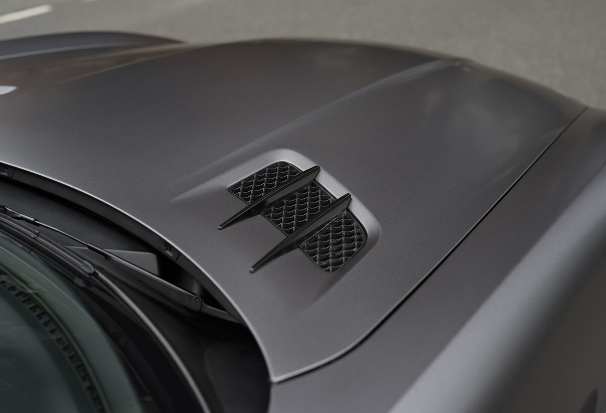 2010 Mercedes-Benz SLS AMG (RHD) for sale in London For Sale (picture 14 of 24)