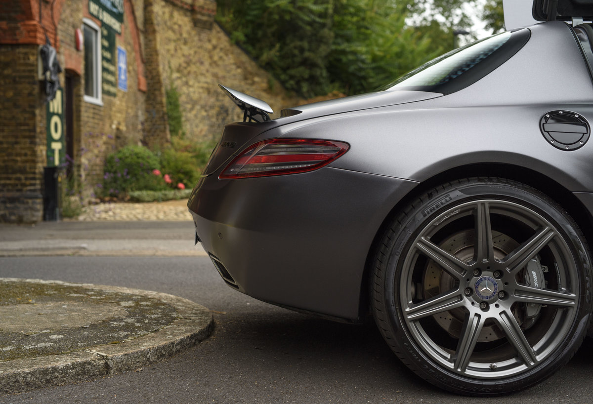 2010 Mercedes-Benz SLS AMG (RHD) for sale in London For Sale (picture 21 of 24)