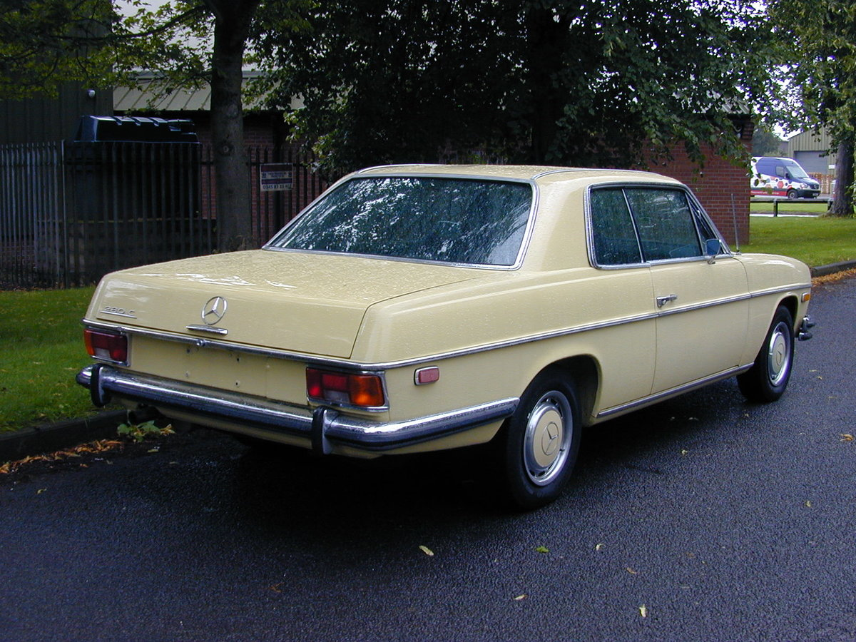 1973 MERCEDES BENZ W114 280c Coupe Automatic - LHD - Ex USA  For Sale (picture 3 of 6)