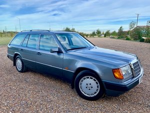 1991 MERCEDES-BENZ W124 300TD 3000 7 SEATER 4SPEED AUTOMATIC EST.