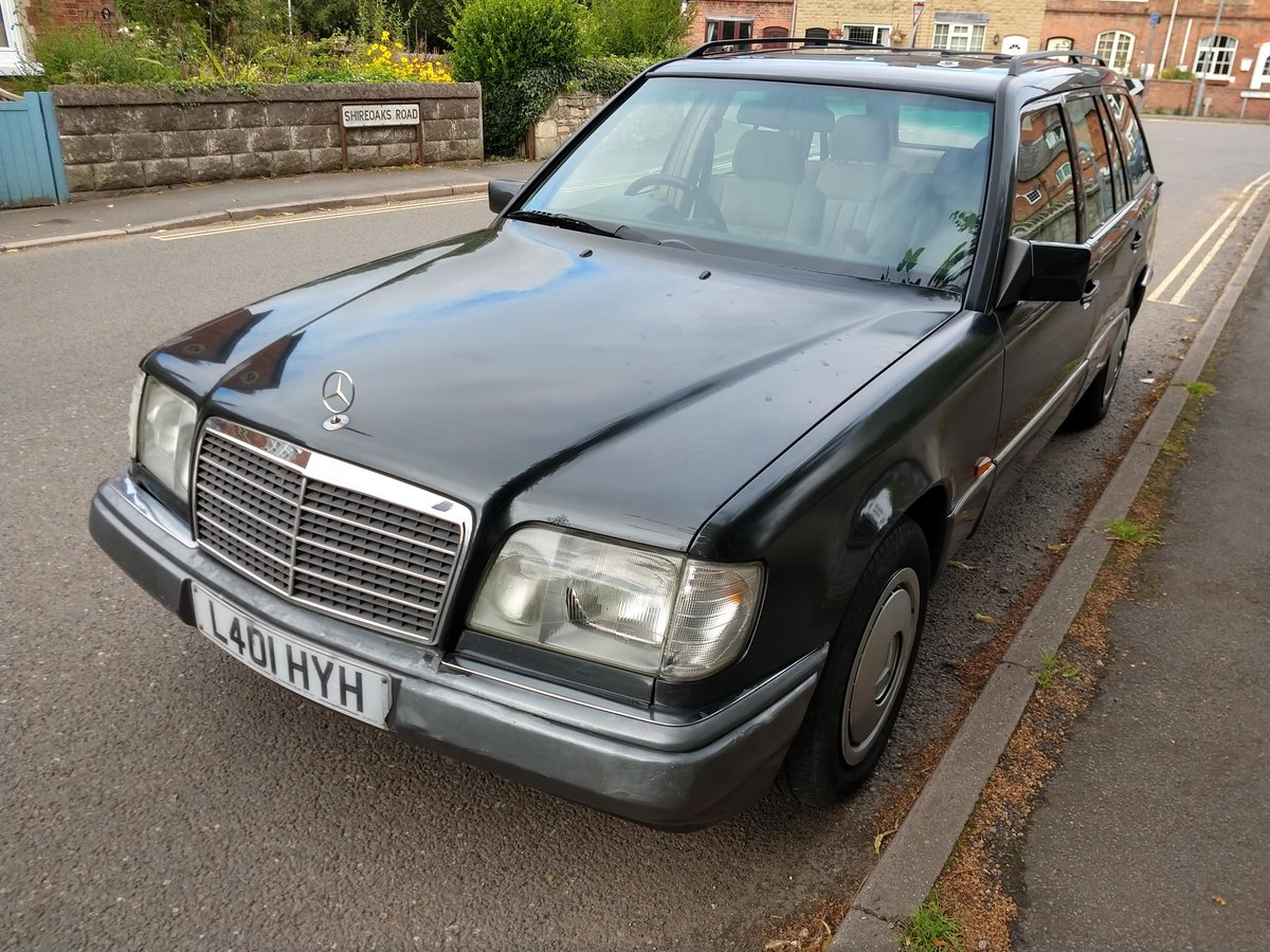 1994 Mercedes w124 e220 estate black 7 seats 118k SOLD (picture 2 of 6)