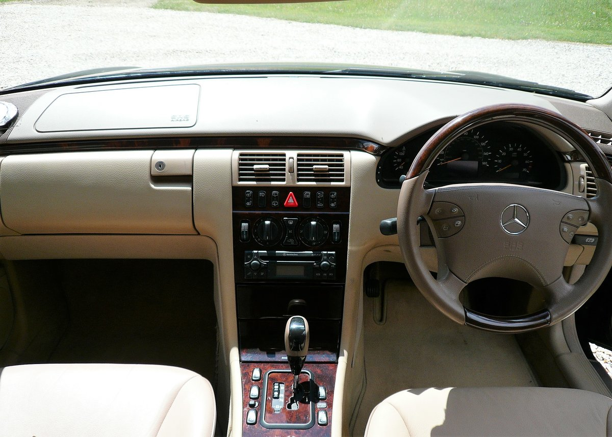 2001 Mercedes W210 E240 Automatic 5dr Elegance SOLD (picture 2 of 6)