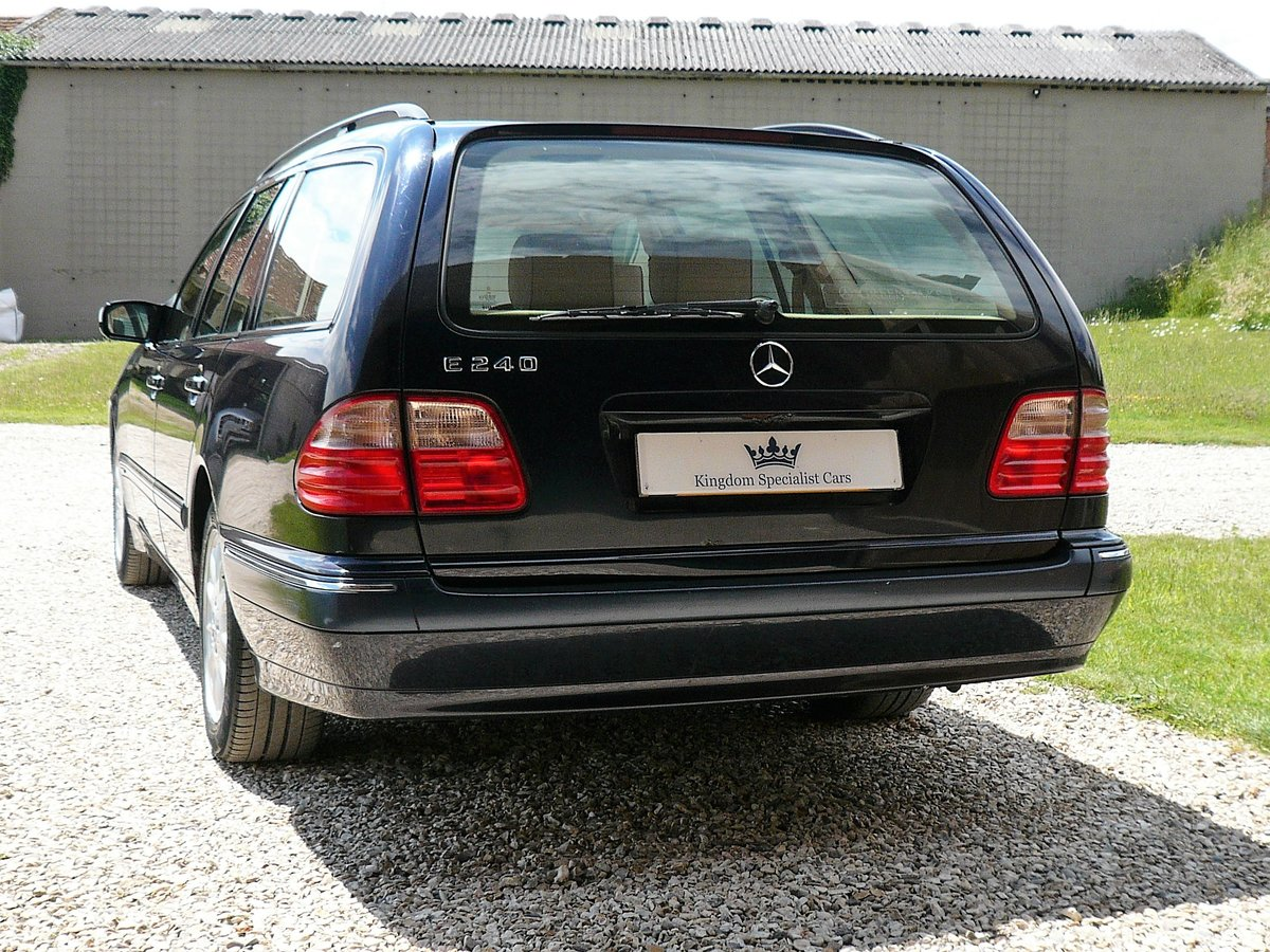 2001 Mercedes W210 E240 Automatic 5dr Elegance SOLD (picture 3 of 6)