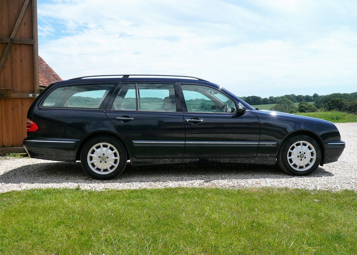 2001 Mercedes W210 E240 Automatic 5dr Elegance SOLD (picture 6 of 6)