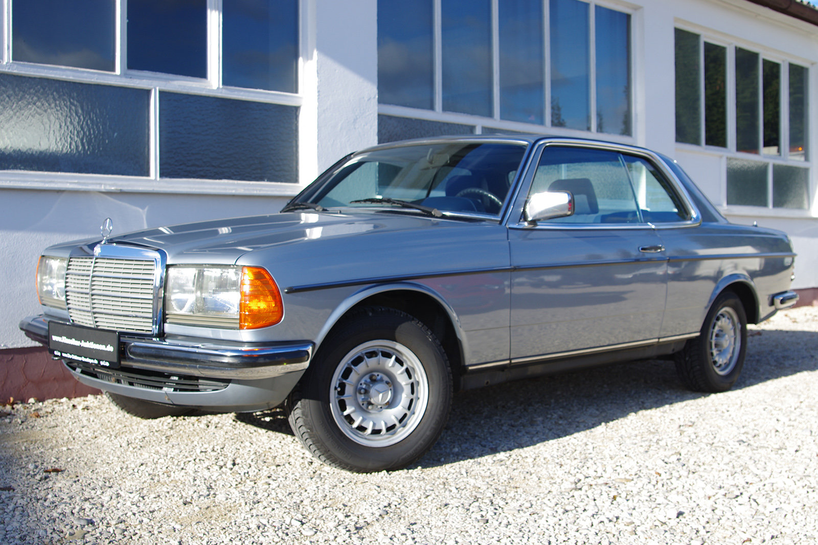 1983 Mercedes-Benz 230 CE - C123 - LHD - only 3 owners in 35 year For Sale (picture 1 of 6)