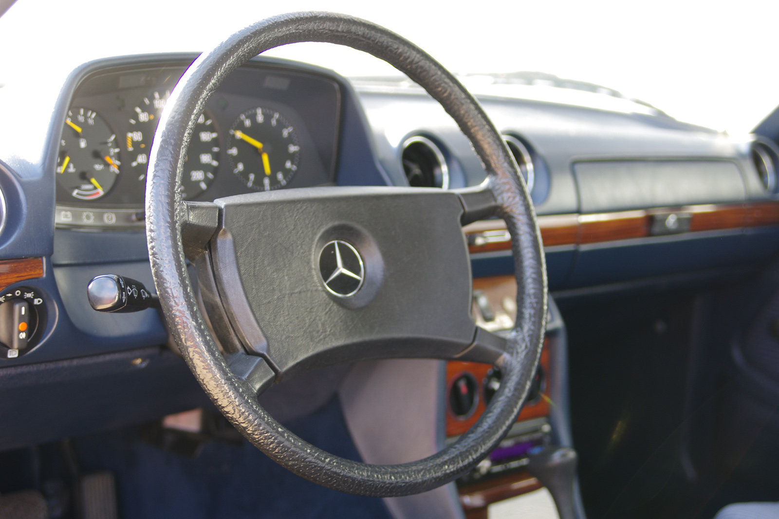 1983 Mercedes-Benz 230 CE - C123 - LHD - only 3 owners in 35 year For Sale (picture 5 of 6)