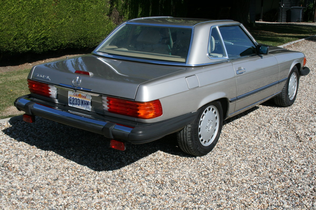 1988 Mercedes-Benz 560 SL AUTO. 2 owner from new.46,000 miles For Sale (picture 3 of 6)