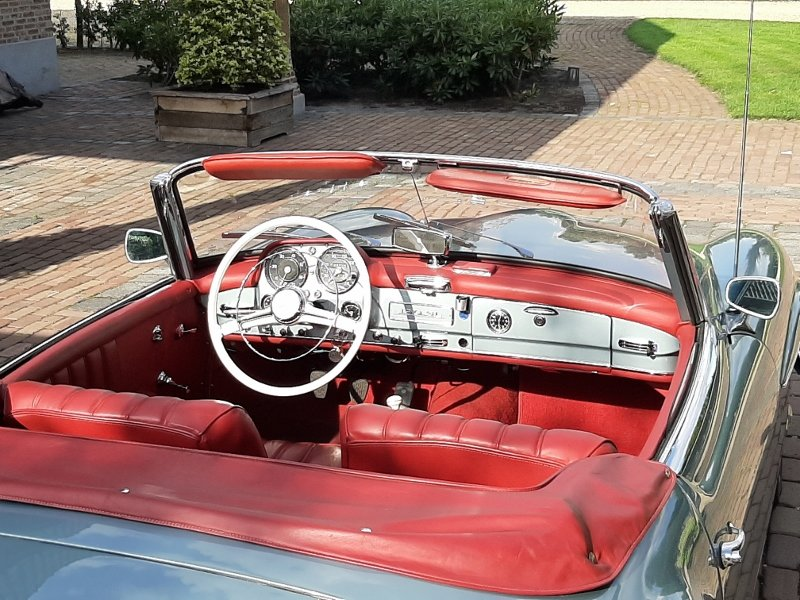 Mercedes-Benz 190 SL Roadster 1961 For Sale (picture 5 of 6)