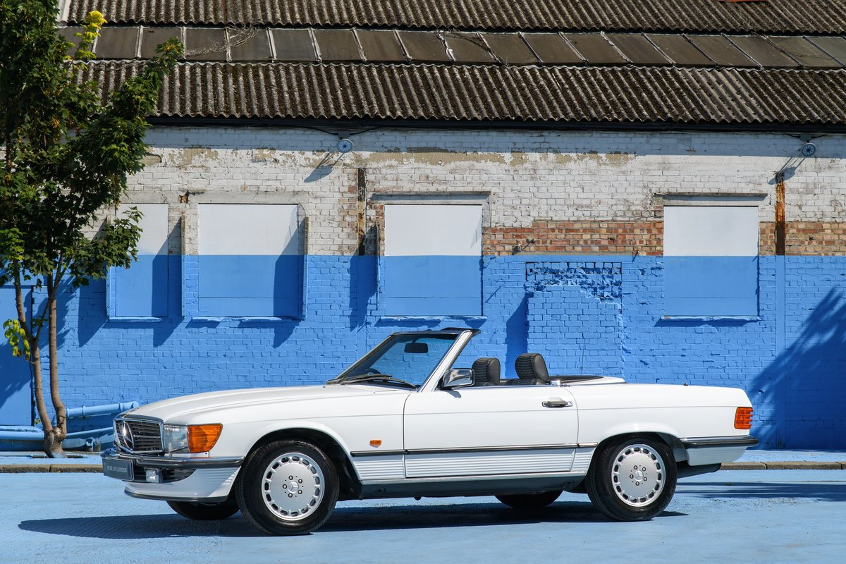 1989 Mercedes-Benz 300 SL SOLD (picture 1 of 6)