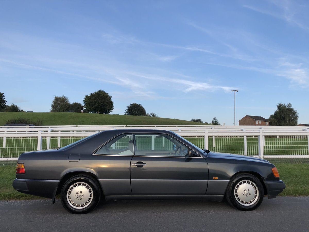 1991 Mercedes 300CE For Sale (picture 3 of 6)