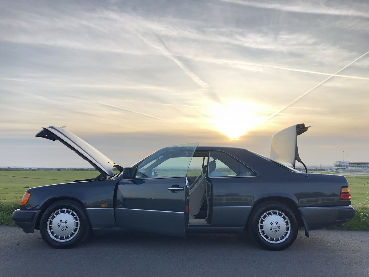 1991 Mercedes 300CE For Sale (picture 4 of 6)