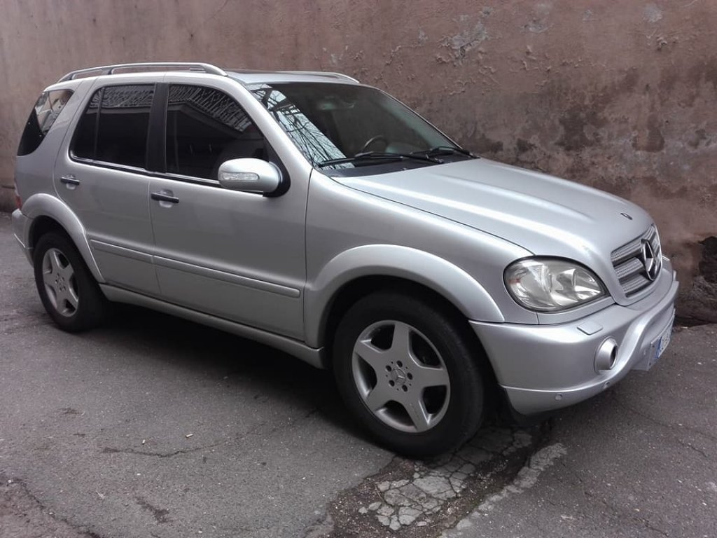 2001 MERCEDES ML 55 AMG SERVICE BOOK ONLY 7900 EURO For Sale (picture 1 of 4)