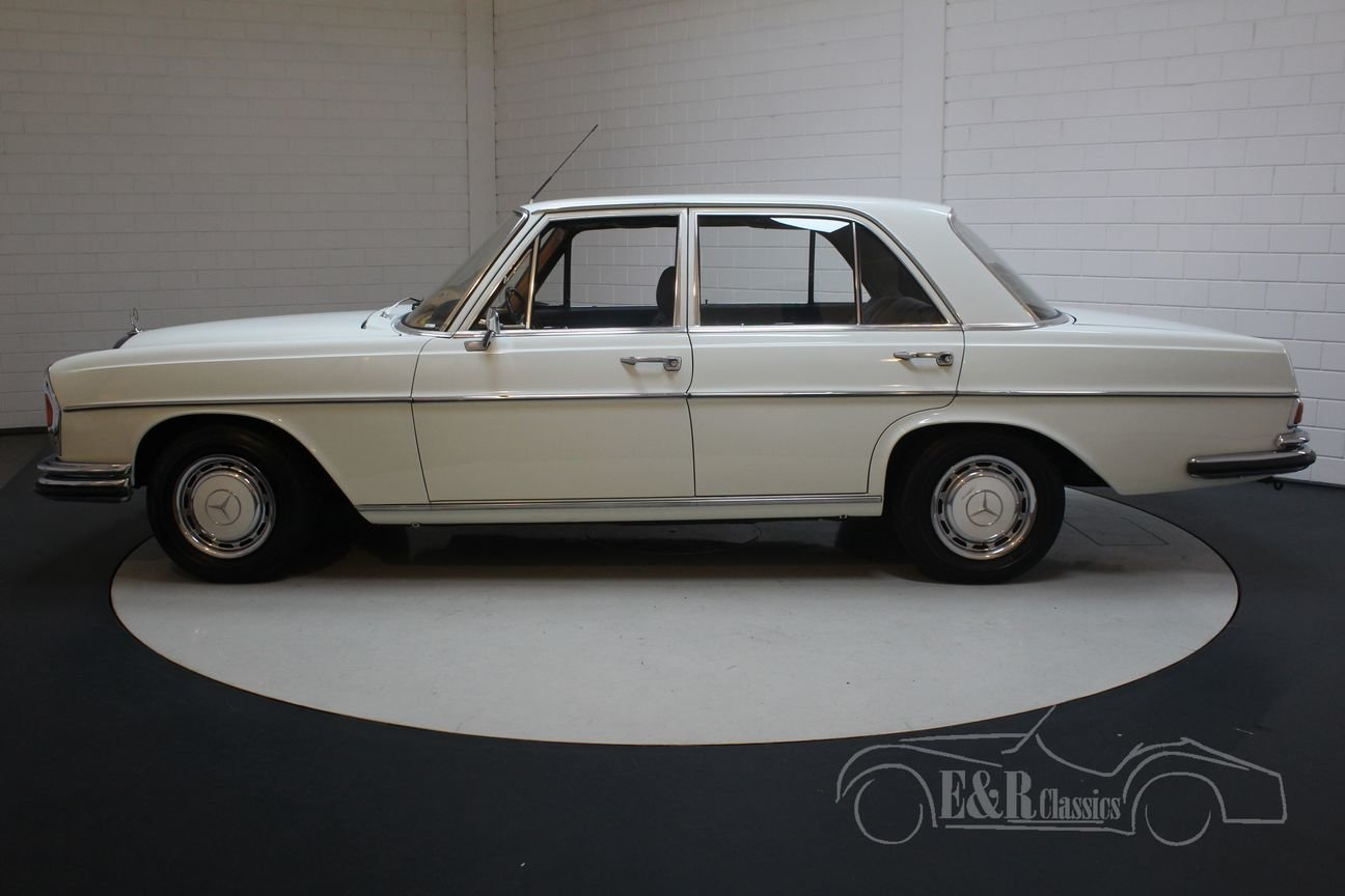 Mercedes-Benz 280SE W108 Saloon 1968 Papyrusweiss For Sale (picture 5 of 6)