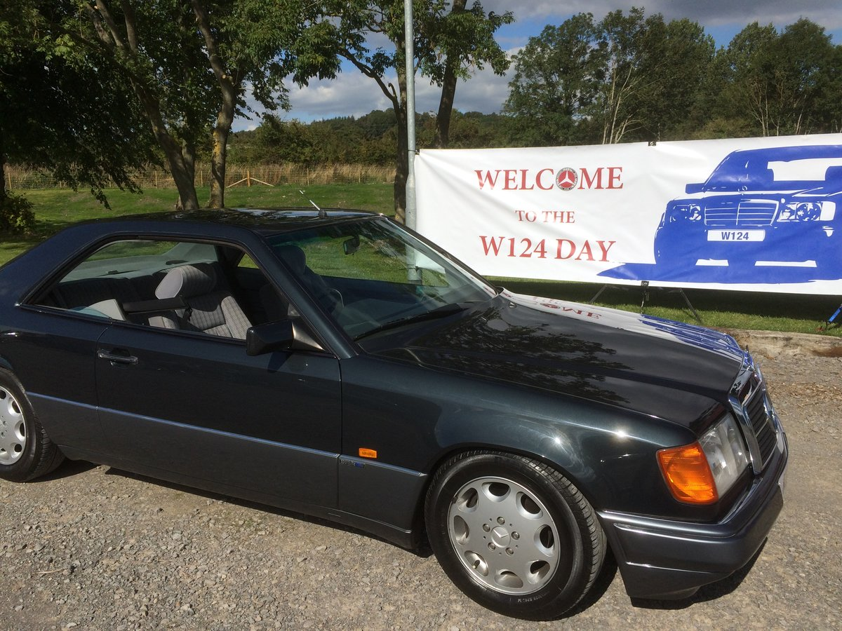 MERCEDES  COUPE 220CE 1993 78000 F/S/H SOLD (picture 1 of 6)