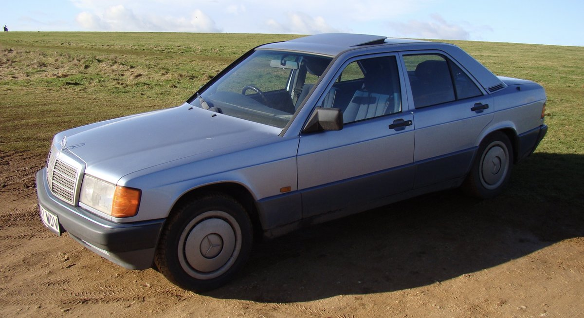 1993 Mercedes 190E 1.8 petrol manual SOLD (picture 1 of 6)