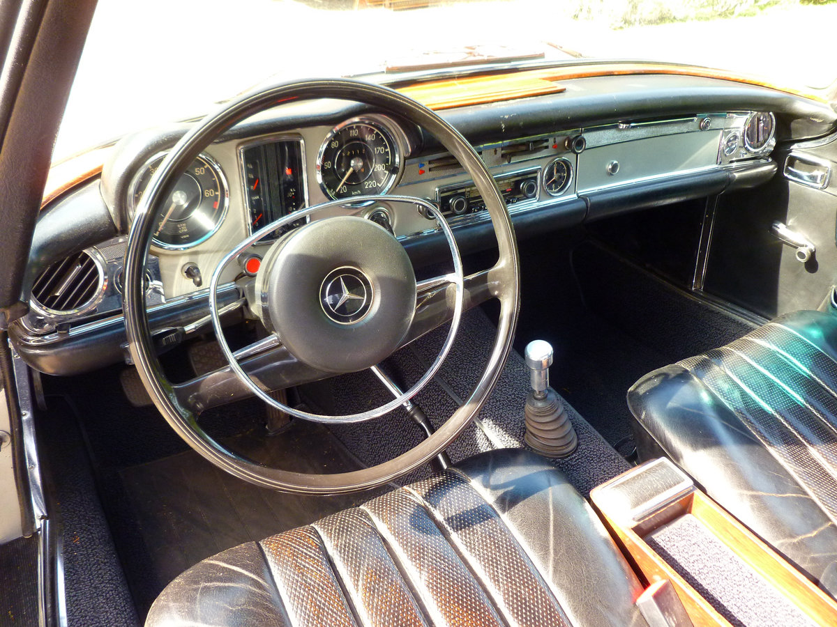 Mercedes 280SL, 1970 For Sale (picture 4 of 6)