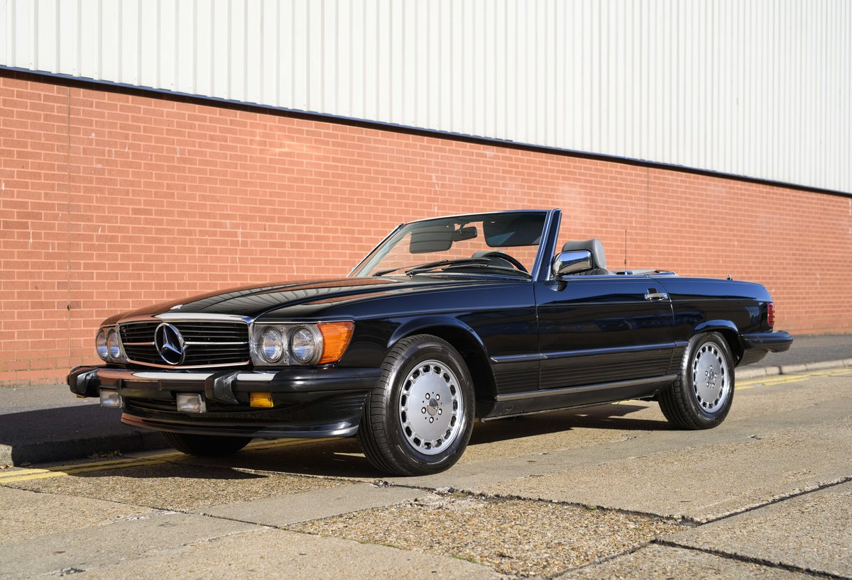 1988 Mercedes-Benz 560SL (LHD) For sale in London For Sale (picture 1 of 21)