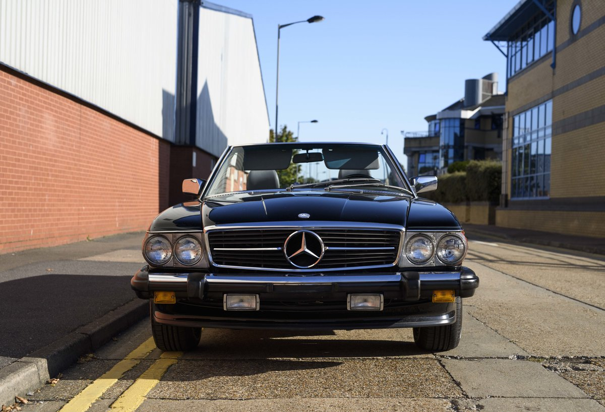 1988 Mercedes-Benz 560SL (LHD) For sale in London For Sale (picture 7 of 21)