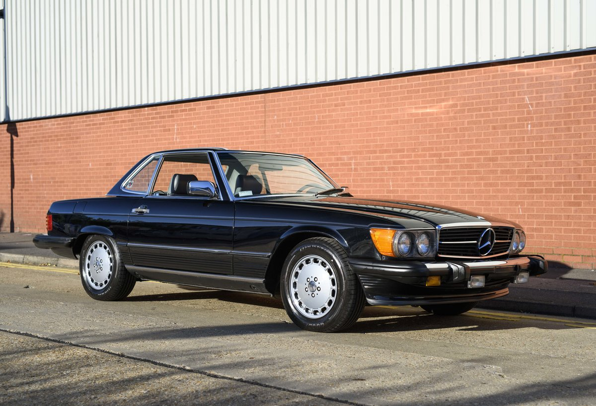 1988 Mercedes-Benz 560SL (LHD) For sale in London For Sale (picture 9 of 21)