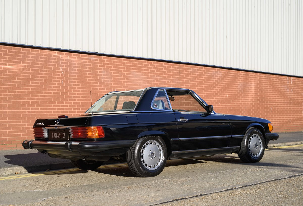 1988 Mercedes-Benz 560SL (LHD) For sale in London For Sale (picture 11 of 21)