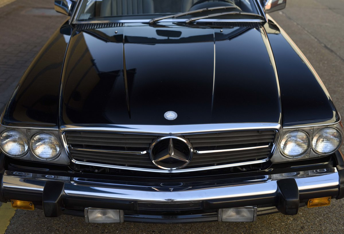 1988 Mercedes-Benz 560SL (LHD) For sale in London For Sale (picture 13 of 21)