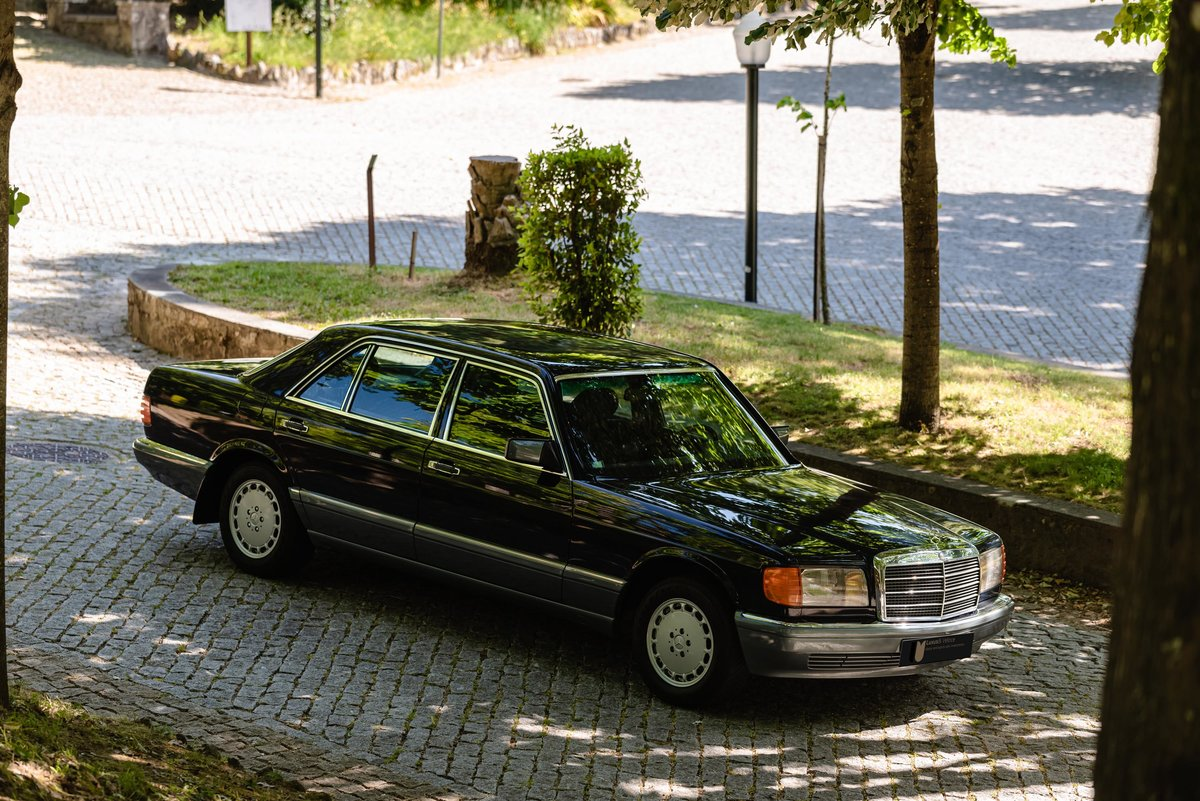 1986 Mercedes Benz 300SEL 17.000kms. For Sale (picture 1 of 6)
