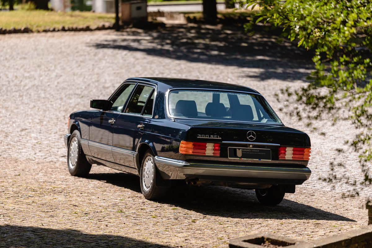 1986 Mercedes Benz 300SEL 17.000kms. For Sale (picture 2 of 6)