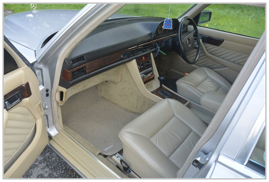 1989 Mercedes 300SE low mileage car for sale For Sale (picture 4 of 6)