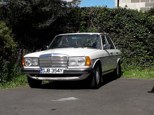 1982 Mercedes w123 200 classic For Sale