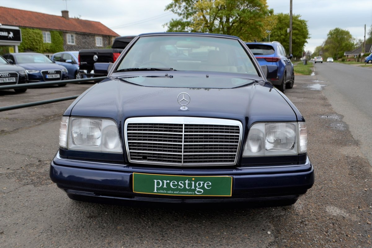 1996 Mercedes E220 Cabriolet – 4 seater For Sale (picture 14 of 19)